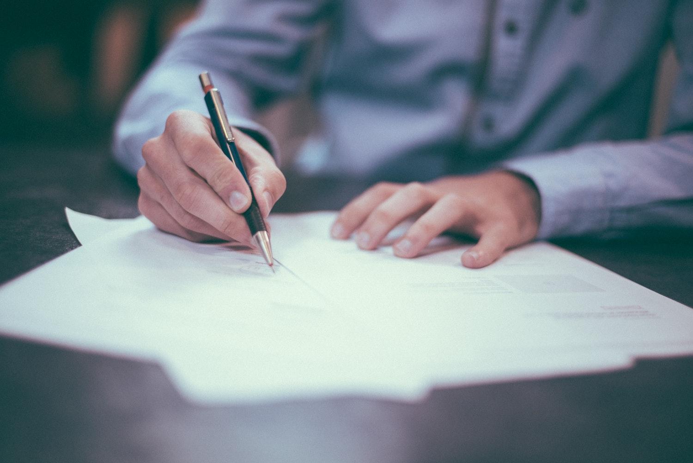 """Background Le SDA confirme à nouveau le régime fiscal des contrats d'assurance-vie """"multi-supports"""""""